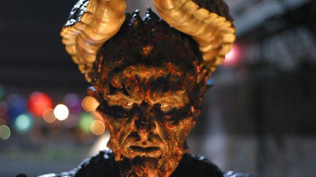 Das Biest (Vladimir Kulich) kommt nach Los Angeles - das Ende der Welt schein...
