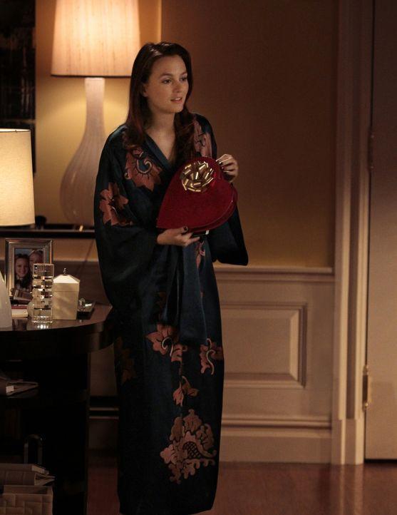 """Der Valentinstag steht vor der Tür und Blair (Leighton Meester) möchte für """"W"""" ein Profil über Raina erstellen, damit sie am Valentinstag ein Auge a... - Bildquelle: Warner Bros. Television"""