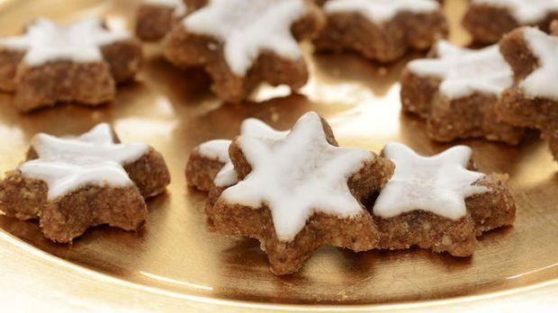 Zimtsterne zaubern Weihnachten auf den Teller