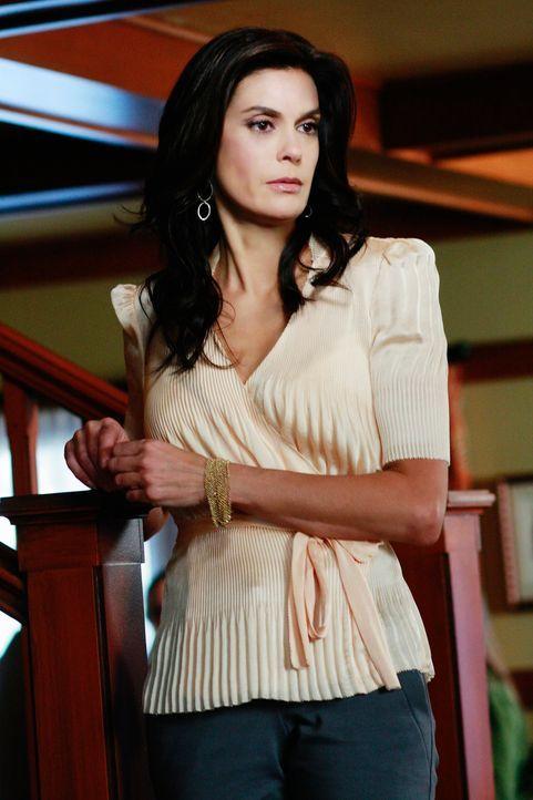 Katherine möchte zu Mikes Einzug eine Einweihungsfeier geben, zu der zum Erstaunen der anderen auch Susan (Teri Hatcher) erscheint. Dort entdeckt si... - Bildquelle: ABC Studios