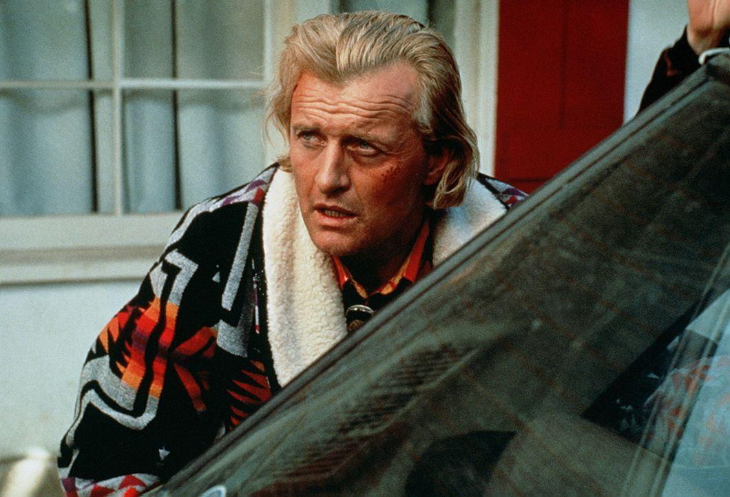 Der Häftling Frank Warren (Rutger Hauer) ahnt nicht, dass seine Flucht von Gefängnisdirektor Holliday inszeniert ist ... - Bildquelle: Home Box Office (HBO)
