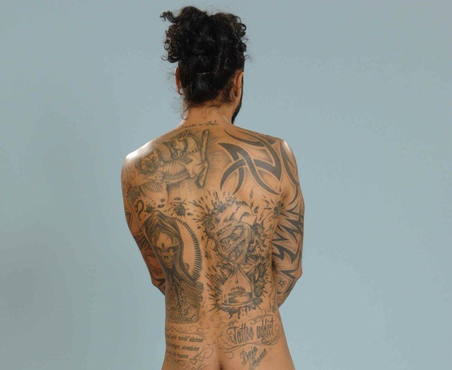 Tattoos von Atchi: Rücken - Bildquelle: sixx / Stefan Menne