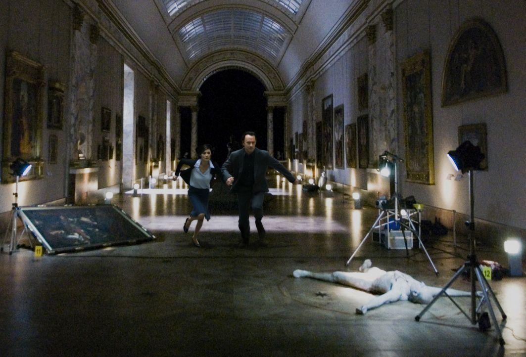 Jacques Saunière (Jean-Pierre Marielle, r.), Chefkurator des Louvre, wird Opfer eines brutalen Mordes. Noch ahnen seine Enkelin Sophie (Audrey Tauto... - Bildquelle: Sony Pictures Television International. All Rights Reserved.