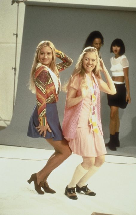 Um das Heim zu retten, versuchen sich Jan (Jennifer Elise Cox, r.) und Marcia (Christine Taylor, l.) als Models.