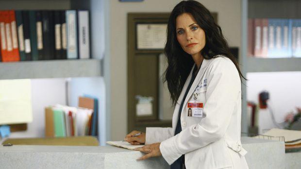 Krankenhausneuzugang Dr. Maddox (Courteney Cox) mischt kräftig mit ... © Touc...
