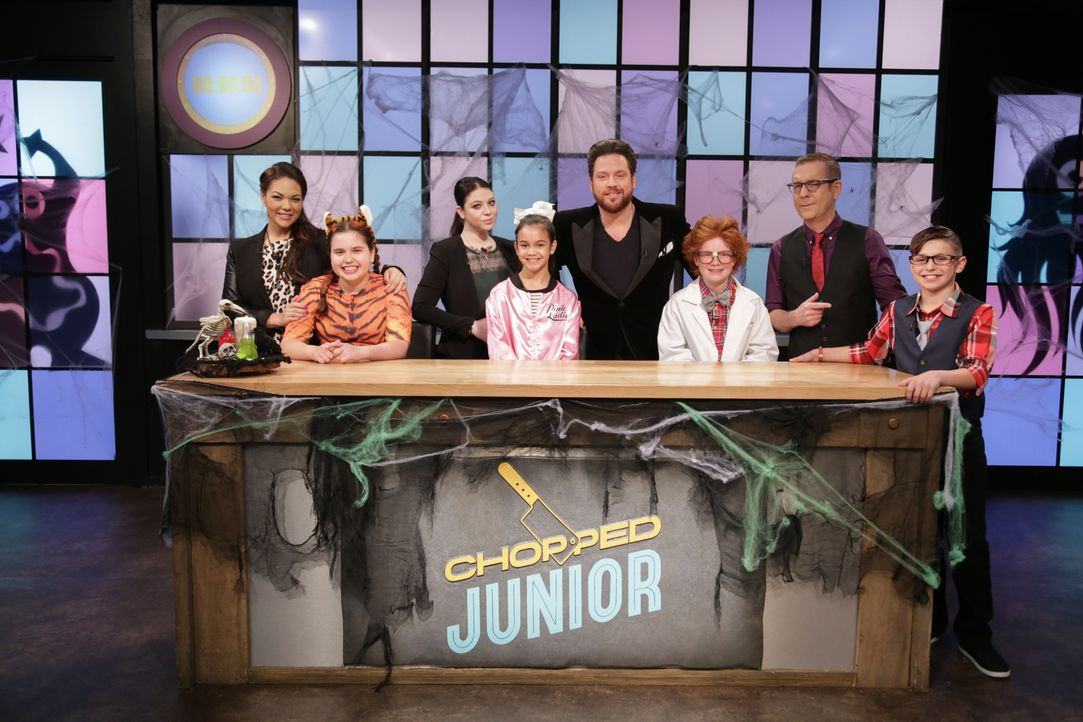 "Auch in der Küche von ""Chopped Junior"" geht es an Halloween grusel... - Bildquelle: Susan Magnano 2016,Television Food Network, G.P. All Rights Reserved/Susan Magnano"