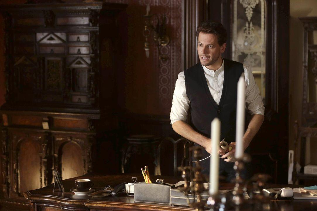 Ist sich ziemlich sicher, dass der vermeintliche Jungbrunnen ein tödlicher Zaubertrank ist: Henry (Ioan Gruffudd) ... - Bildquelle: Warner Brothers