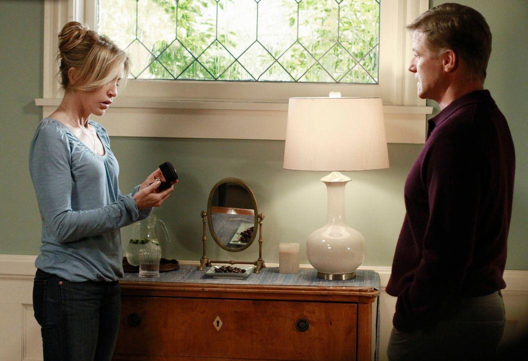 Lynette (Felicity Huffman, l.) und Tom (Doug Savant, r.) verbringen ein gemeinsames Wochenende, um ihre Ehe wieder in den Griff zu bekommen. Doch wi... - Bildquelle: ABC Studios
