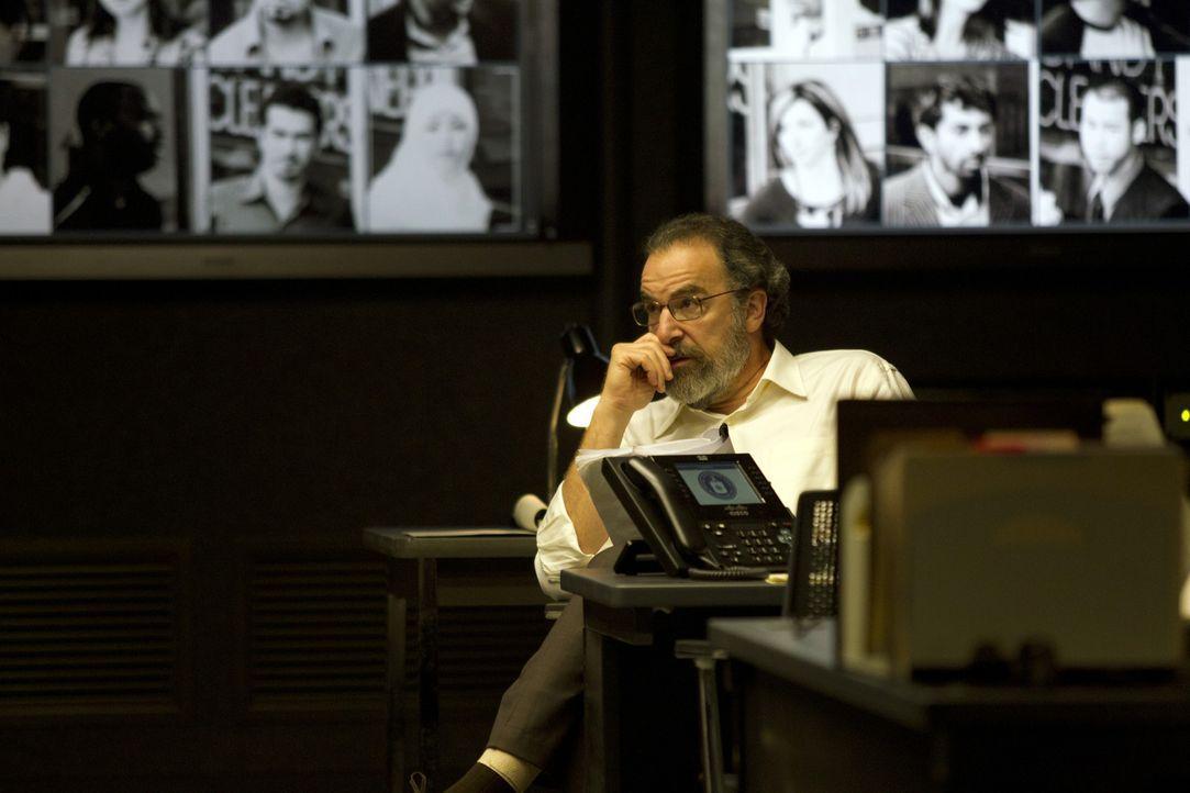 Sich widersprechende Argumente lassen Saul (Mandy Patinkin) an Carries Urteilsvermögen zweifeln ... - Bildquelle: 2011 Twentieth Century Fox Film Corporation. All rights reserved.