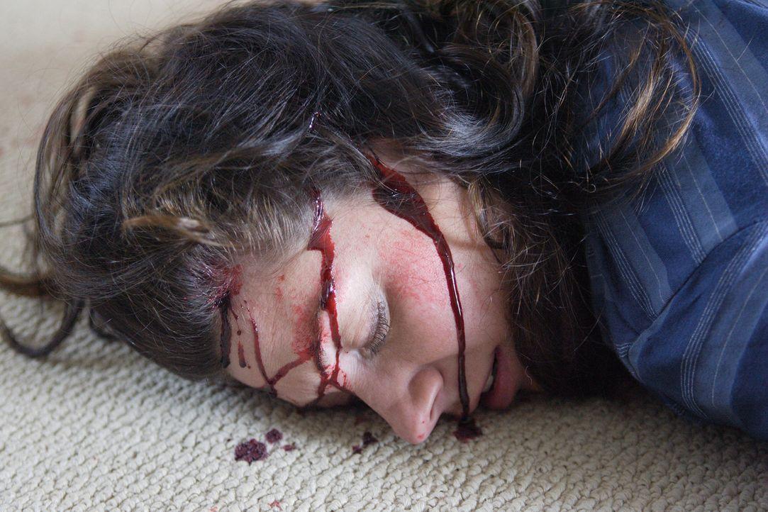 Laut der Aussage ihre Mannes Mark wurde Donnah Winger (Dana Fradkin) am 29. August 1995 von einem Unbekannten mit dem Hammer attackiert und getötet.... - Bildquelle: Ian Watson Cineflix 2007