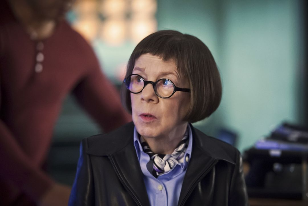 Gibt ihrem Team Rückendeckung: Hetty (Linda Hunt) ... - Bildquelle: Ron Jaffe 2016 CBS Broadcasting, Inc. All Rights Reserved.
