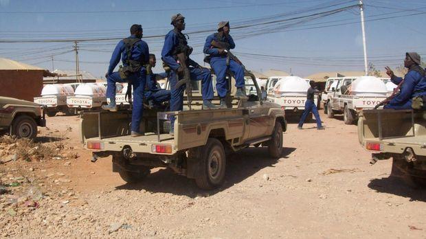 Eine elitäre Truppe von südafrikanischen Söldnern wird von den somalischen Be...