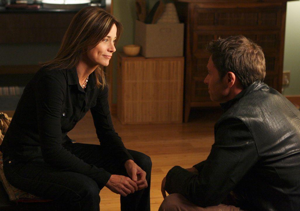 Endlich gesteht Pete (Tim Daly, r.) Meg (Jayne Brook, l.) seine wahren Gefühle ... - Bildquelle: ABC Studios