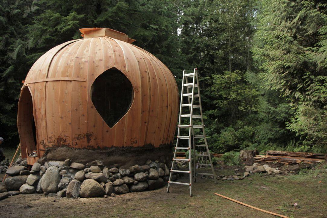 Der Rohbau des Lehmhauses entsteht ... - Bildquelle: 2015,DIY Network/Scripps Networks, LLC. All Rights Reserved