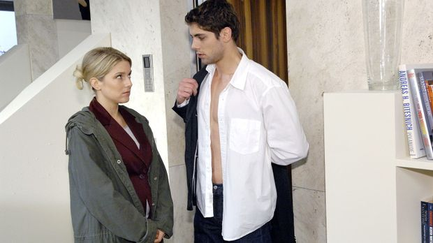 Jonas (Roy Peter Link, r.) ist entsetzt, als er von Anna (Jeanette Biedermann...