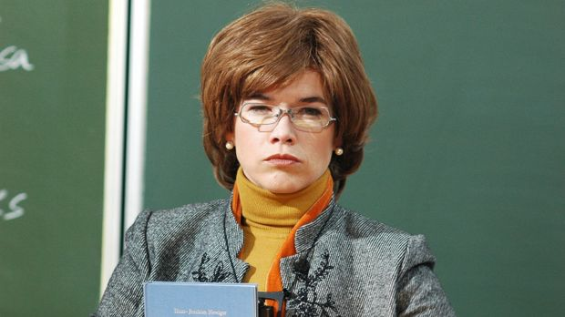 LADYLAND - Britta (Anke Engelke) ist Philosophie-Dozentin und extrem unentspa...