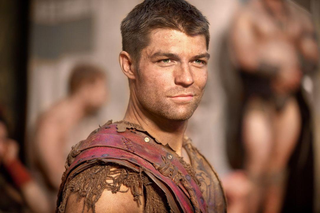 Um zwischen den verfeindeten Gruppen innerhalb des Lagers ein Wir-Gefühl entstehen zu lassen, gibt Spartacus (Liam McIntyre) ein großes Fest mit a... - Bildquelle: 2011 Starz Entertainment, LLC. All rights reserved.