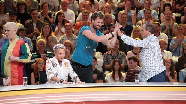 Genial Daneben - Die Comedy Arena - Genial Daneben - Die Comedy Arena - Voller Körpereinsatz Und Teamwork In Der Comedy-arena