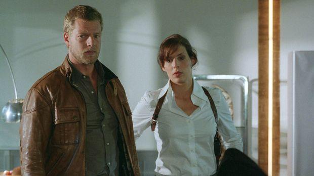 Nina (Elena Uhlig, r.) und Leo (Henning Baum, l.) werden zum Tatort gerufen....