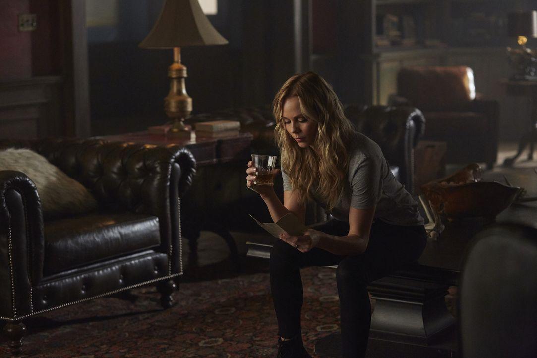 Stellt ihr ganzes Leben in Frage, nachdem Sasha ihr eröffnet hat, dass er ihr Vater ist: Elena (Laura Vandervoort) ... - Bildquelle: 2016 She-Wolf Season 3 Productions Inc.