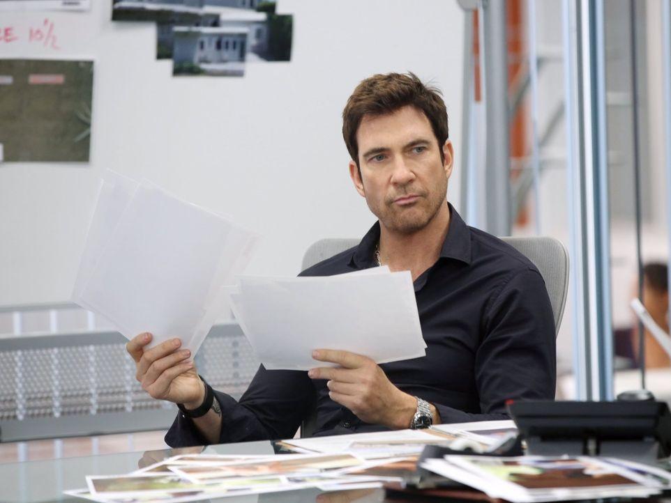 Als Detective der Threat Management Unit im LAPD versucht Jack Larsen (Dylan McDermott), gefährlichen Stalkern das Handwerk zu legen ... - Bildquelle: Warner Bros. Entertainment, Inc.