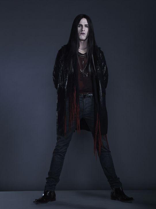 (1. Staffel) - Gabriel Bolivar (Jack Kesy) war in seinem früheren Leben ein Musiker, mit einem Hang zur Dramatik und vielen Groupies, doch seitdem er ein Vampir ist, kann er nur noch an eins denken: Blut ...