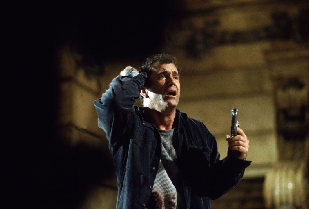 Fletcher (Mel Gibson) leidet immer mehr unter seinen Visionen. Als ihn Dr. Jonas entführt und wegsperrt, weiß er keinen Ausweg mehr ... - Bildquelle: Warner Bros. Pictures