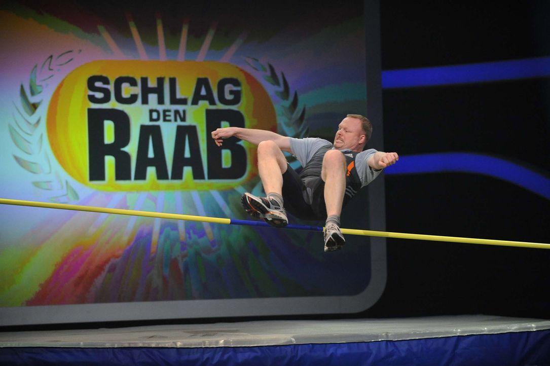 Stefan Raab hat noch lange nicht genug: Der Wok-Weltmeister, Autoball-Europameister und -Vizeweltmeister und Lena-Finder tritt an, um seine Siegesse... - Bildquelle: ProSieben