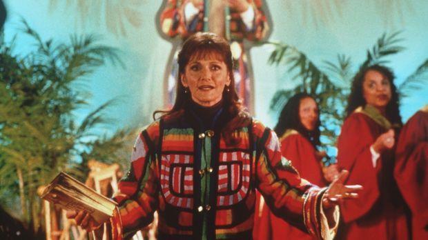 Serena (Margot Kidder, M.), die Mutter des Predigers Luke, will die Gemeinde...