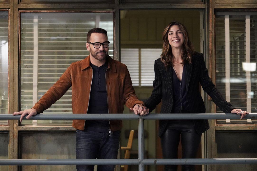 Tanner (Jeremy Piven, l.); Sara (Natalia Tena, r.) - Bildquelle: Bill Inoshita Bill Inoshita   2017 CBS Broadcasting, Inc. All Rights Reserved.
