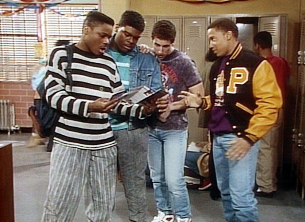 Der Abschlussball steht vor der Tür, und Theo (Malcolm-Jamal Warner, l.) und seine Freunde interessieren sich nur noch dafür, wer mit dem größte... - Bildquelle: Viacom