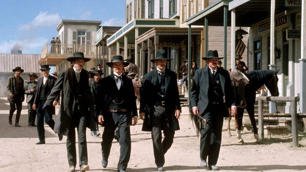 Stellen sich der berühmt berüchtigten Clanton-Bande (v.l.n.r.): Doc Holiday (...