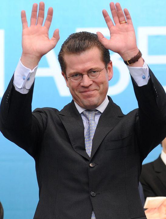 Guttenberg dpa 4 - Bildquelle: dpa/picture alliance