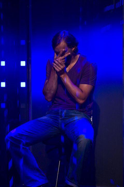 Das Warten auf das Ergebnis raubt Alexander den letzten Nerv ... - Bildquelle: SAT.1