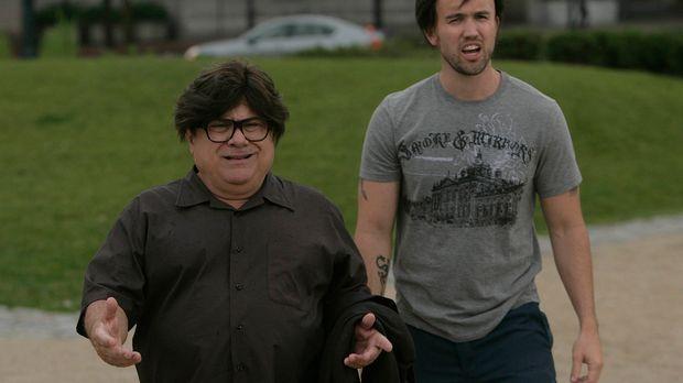 Frank (Danny DeVito, l.) und Mac (Rob McElhenney, r.) wollen dem Liebesleben...