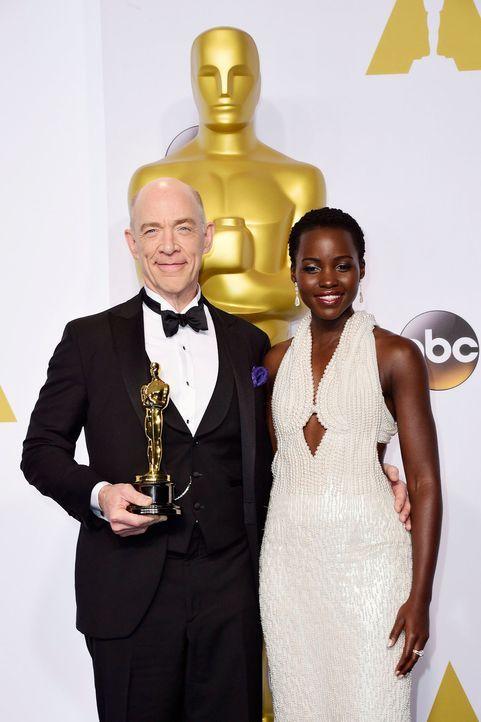 Oscars-J-K-Simmons-Lupita-Nyong-o-15-02-22-dpa - Bildquelle: dpa