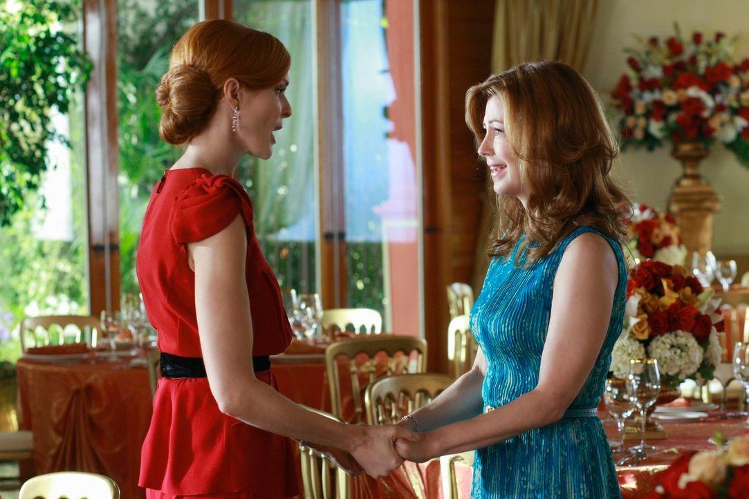 Bree (Marcia Cross, l.) wird klar, dass Katherine (Dana Delany, r.) von Mike wie besessen ist und die Trennung nicht verkraftet. Doch Katherine will... - Bildquelle: ABC Studios