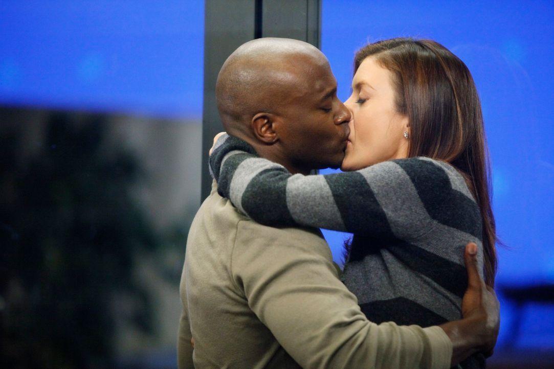 Hat ihre Liebe doch noch eine Chance? Sam (Taye Diggs, l.) und Addison (Kate Walsh, r.) ... - Bildquelle: ABC Studios