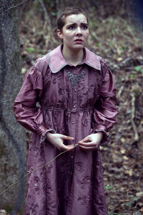 Mercy (Elise Eberle) wähnt sich ihrem Ziel endlich ganz nahe, doch lässt Mary sie wirklich Teil des Zirkels werden? - Bildquelle: 2013-2014 Fox and its related entities.  All rights reserved.