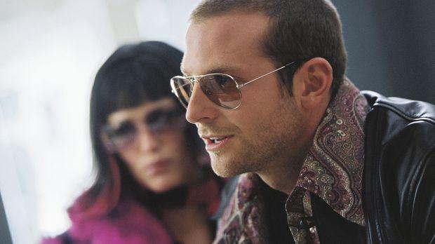 Als Rockstars verkleidet kommen Sydney (Jennifer Garner, l.) und Will (Bradle...