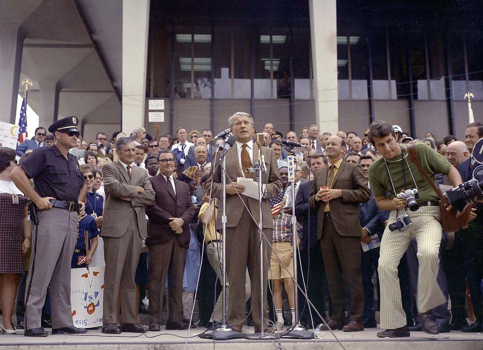 Wernher von Braun war ein visionärer Wissenschaftler, ein Besessener mit einer mysteriösen Vergangenheit. Er entwickelte die Technik, die den Mensch... - Bildquelle: Public Domain