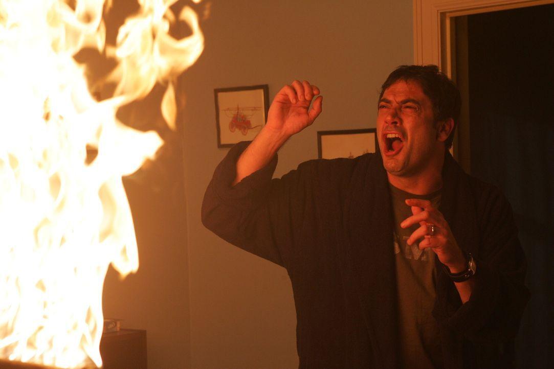 Rückblende: John Winchester (Jeffrey Dean Morgan) macht eine grausame Entdeckung ... - Bildquelle: Warner Bros. Television