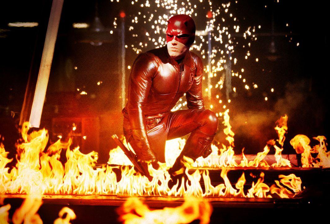 Wieder einmal setzt Daredevil (Ben Affleck) ein deutliches Zeichen ... - Bildquelle: 2003 Twentieth Century Fox Film Corporation.  All rights reserved.