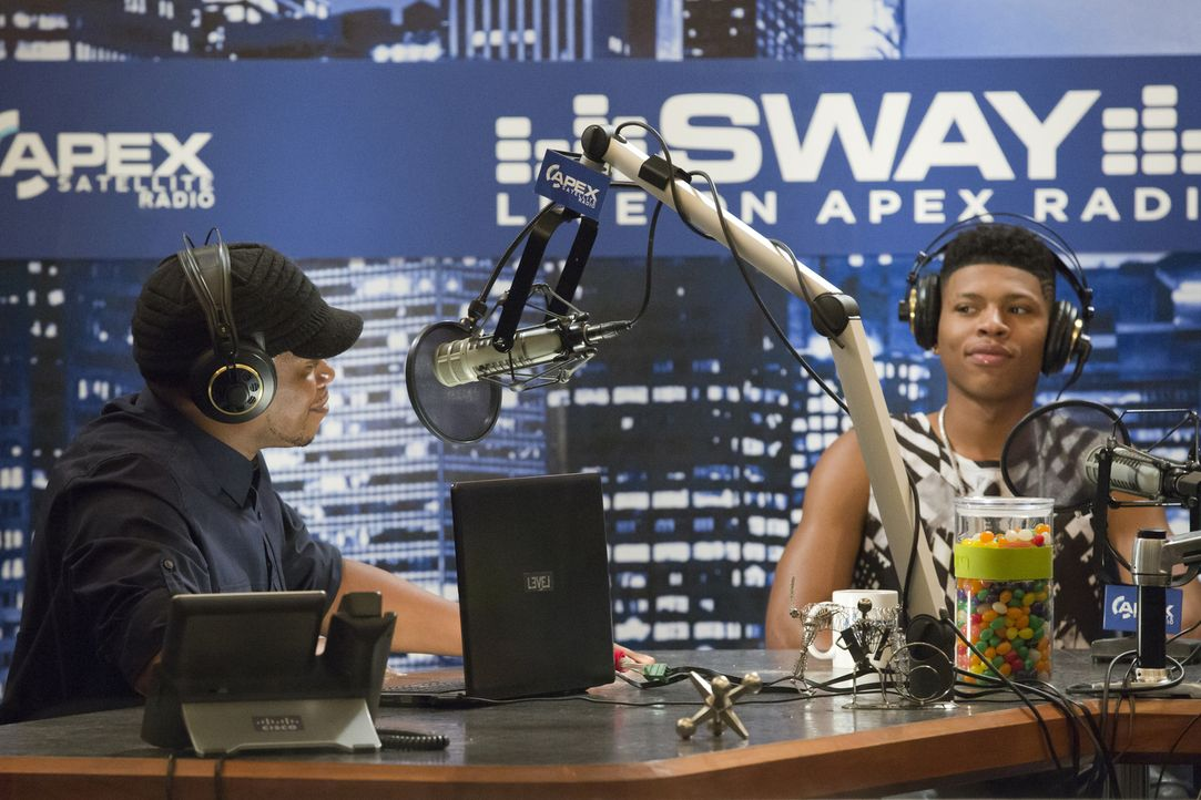 Der Kampf zwischen Hakeem (Bryshere Y. Gray, r.), Cookie und Lucious wird bei Sway (Sway Calloway, l.), live bei Apex Radio, weiter ausgetragen ... - Bildquelle: Chuck Hodes 2015-2016 Fox and its related entities.  All rights reserved.