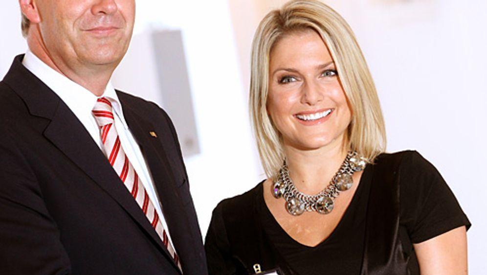 Jeanette Biedermann erhält das Bundesverdienstkreuz - Bildquelle: dpa