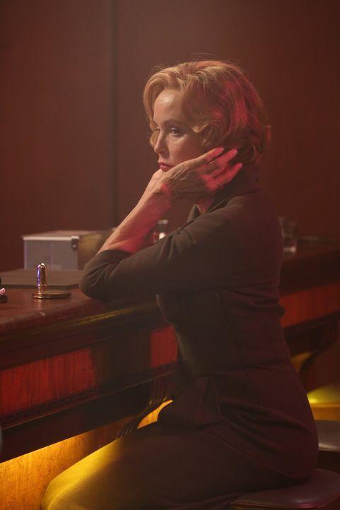 Jahr 1964: Verfällt Schwester Jude Martin (Jessica Lange) wieder in alte Verhaltensmuster? - Bildquelle: 2012-2013 Twentieth Century Fox Film Corporation. All rights reserved.