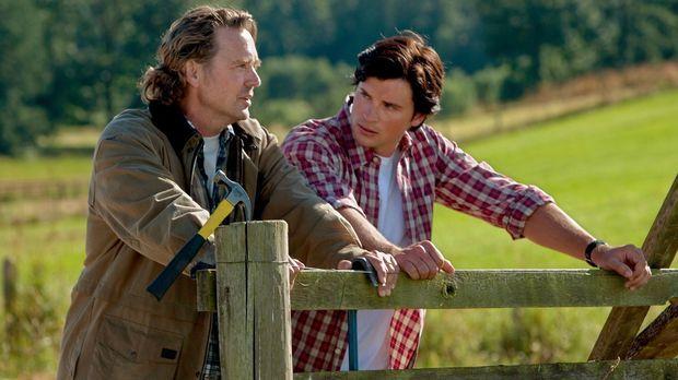 Während er überlegt, welche Wahl er treffen soll, sieht Clark (Tom Welling, r...