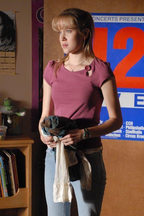 Rückblick: Die junge Allison (Jessy Schram) macht sich Sorgen, denn sie hat geträumt, dass der Sohn des neuen Nachbarn in seiner Zukunft Mädchen ver... - Bildquelle: Paramount Network Television