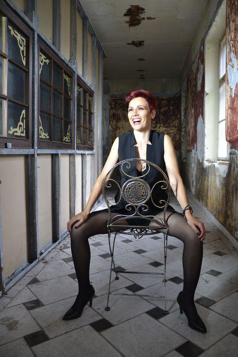 Sharron-Levy-15-Laugh-Peas-Entertainment