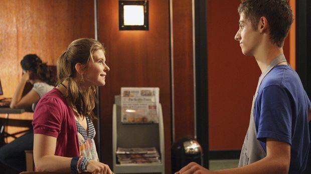 Als am Ende des Tages viel Geld in der Kasse fehlt, hilft Andy (Magda Apanowi...